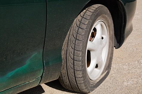 スタッドレスタイヤの寿命が来たら夏場でも使えるの?問題なく使うための2つのポイント