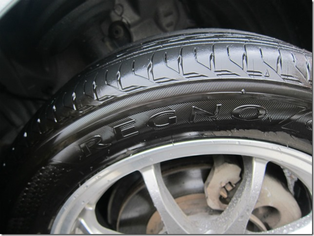 タイヤのパンク修理で料金をぼったくられないための3つの備え!